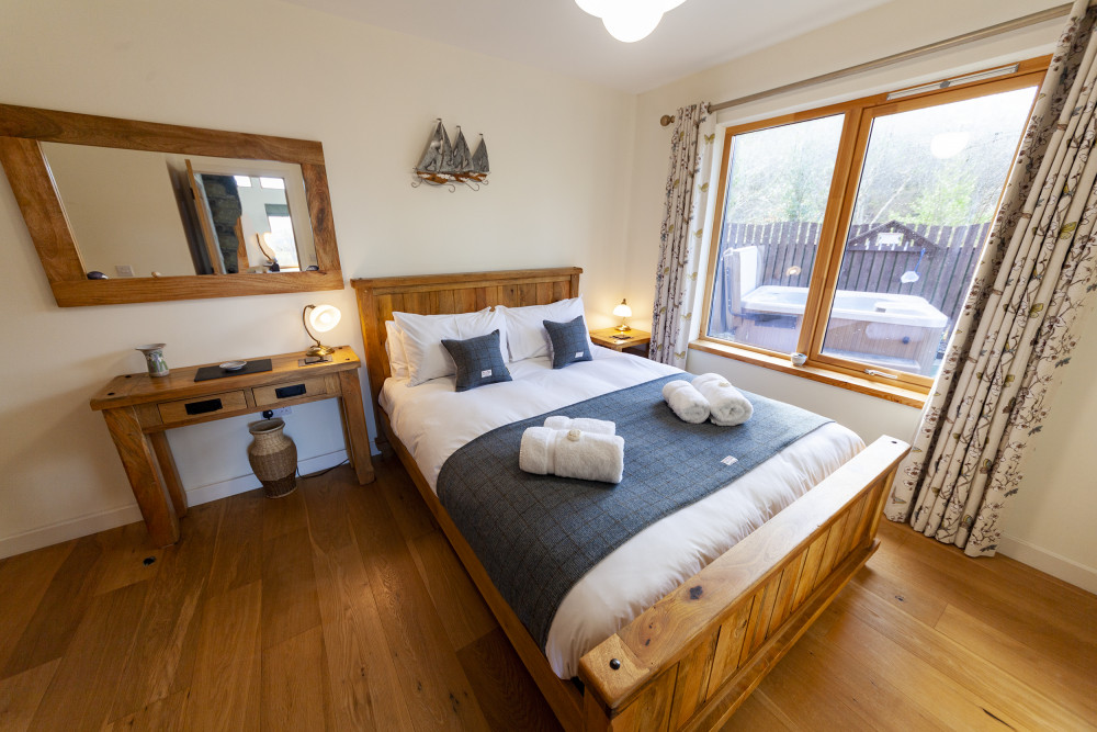 King Size Double Bedroom Eshaness